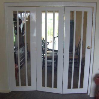 white folding room divider